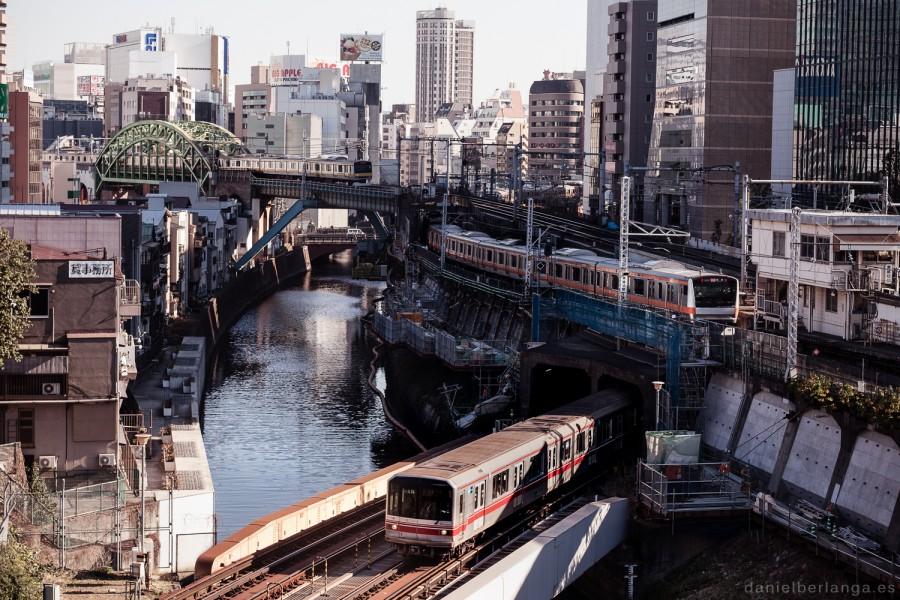 Cruce de trenes en Ochanomizu